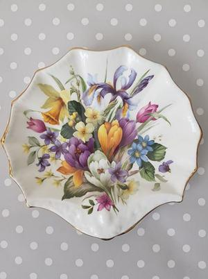 Vintage Crown Staffordshire fine bone china shell plate/trinket tray