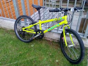 Dawes 20 inch kids light weight bike - suit 5-8 year old. In very good condition.
