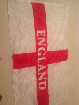 LARGE ENGLAND FLAG 5FT X 3FT ST GEORGE CROSS ENGLISH EYELETS