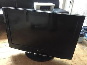 LG Full HD P LCD Television with Freeview