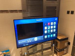 """Panasonic 48"""" 4K ultra hd smart tv. Full working order.good condition. £320 NO OFFERS.CAN DELIVER"""