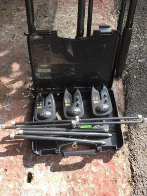 Zebco 3 x carp fishing rods, reels and bite alarms