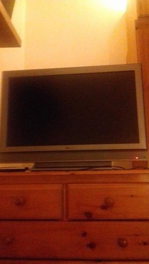 Sony lcd colour tv in good condition for sale in walthamstow central for £50.
