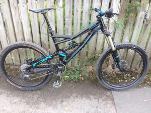 Specialized status full suspension mountain bike