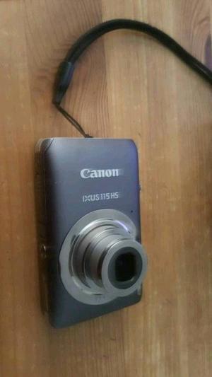 Canon Ixus 115 hs camera with case