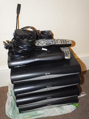 SKY TV (BOXES AND REMOTE JOB LOT SEE PIC)