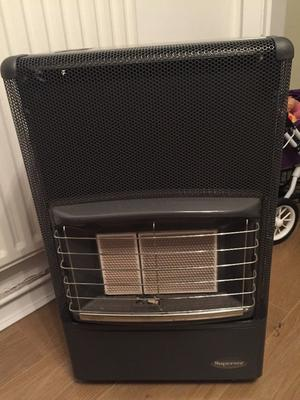 Superser Small Calor Gas Heater Complete With Posot Class