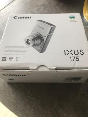 "Canon IXUS MP Compact Camera -2.7"" LCD Screen"