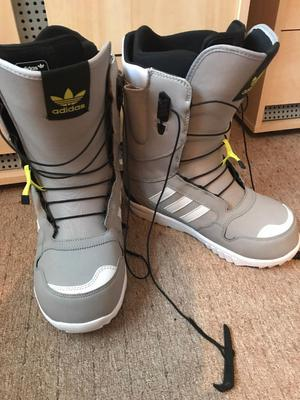 Adidas snowboard boots size 9