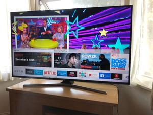 "Only few months old.Samsung 55"" 4K ultra hd smart led HDR tv. Boxed. £475 NO OFFERS. CAN DELIVER"