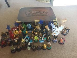 skylanders trap team figures and storage box