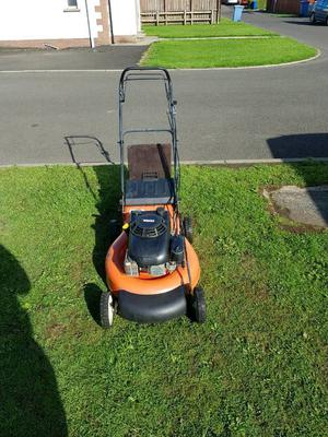 22 inch cut self drive lawnmower with 6.5 HP Honda engine for sale.