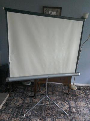 Slide Projector, Stand and Screen. Carrying case for