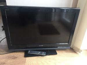 Sony 32 inch LCD with freeview and original remote in excellent condition