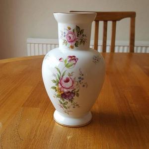 Vintage Astbury fine bone china vase - Royal Albert works