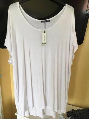 Brand new white oversized TShirt Boohoo size 20