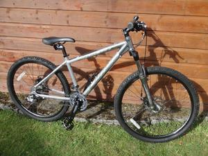 Carrera Vulcan mountain bike, 26 inch wheels, 24 gears, 16 inch lightweight aluminium frame