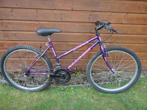 Falcon mont blanc ladies bike, 26 inch wheels,18 gears, 17 inch frame purple working order