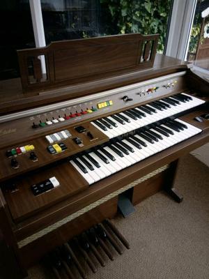 Yamaha electronic piano