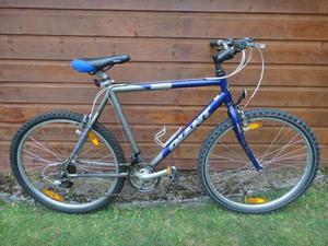 Giant boulder mountain bike, 26 inch wheels, 21 gears, 21.5 inch frame