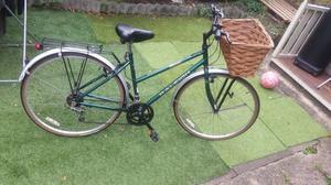Ladies Raleigh Classic Pioneer,Town Hybrid Bike, communter bike, city bike frame 19 inches