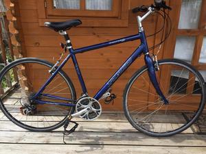 "Specialized crossroad sport hybrid bike. 20"" frame. Fully working"