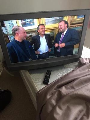"32"" SONY FULL HD FREEVIEW LCD TV WITH REMOTE CONTROL & STAND"