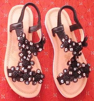 NEW PAIR OF BLACK JEWELLED SANDALS BY RENTOES.
