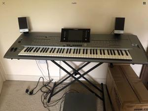 Yamaha Tyros 5 76 note excellent condition.