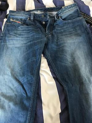 Diesel Larkee jeans straight leg 34 waist 32leg