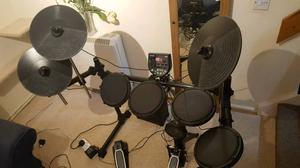 Alesis DM 6 USB full drumkit