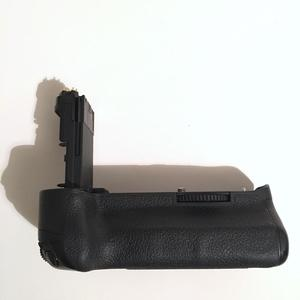 Canon BG-E11 Battery Grip for 5d mk iii