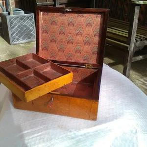 A late 19th century Birdseye maple jewellery box in lovely condition.