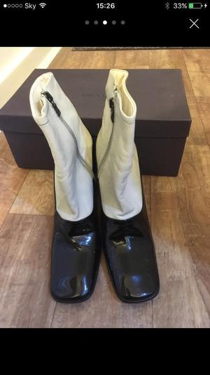 Gorgeous genuine brand new black and cream Prada leather boots- size 37 (4).