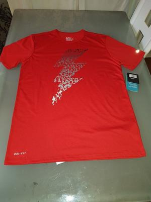 MENS NIKE T SHIRT - MEDIUM