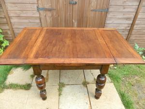 Oak Extending Draw Leaf Table