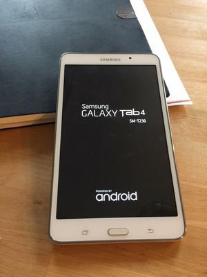 """White Samsung Galaxy Tab 4 8GB, Wi-Fi, 7"""" inch"""