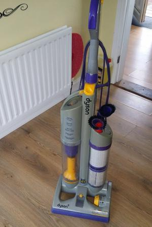 DYSON DC-03 ABSOLUTE UPRIGHT BAGLESS VACUUM CLEANER SERVICED