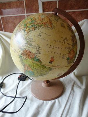 LARGE WORLD GLOBE (LAMP)