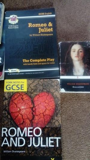 York Notes for GCSE Romeo & Juliet, CGP Romeo & Juliet The Complete Play and Book of Play