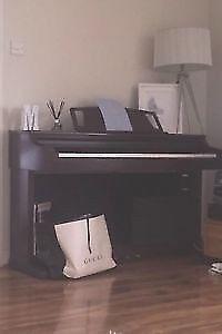 Yamaha Clavinova Piano CLP 860M