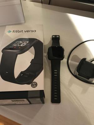 Fitbit Versa Smart Fitness Watch, Black/Aluminium