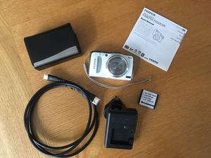 Fujifilm FinePix F600 EXR 16.0MP Digital Camera - 15X Zoom,