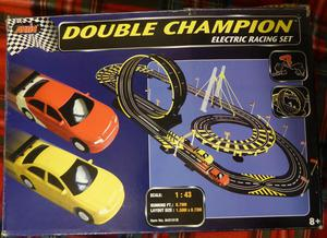 DOUBLE CHAMPION ELECTRIC RACING SET CAR RACE TRACK