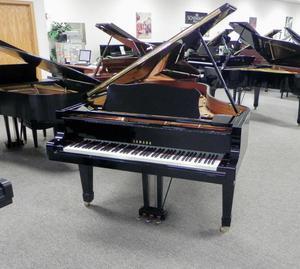 Yamaha C3 Grand Piano Black Polish