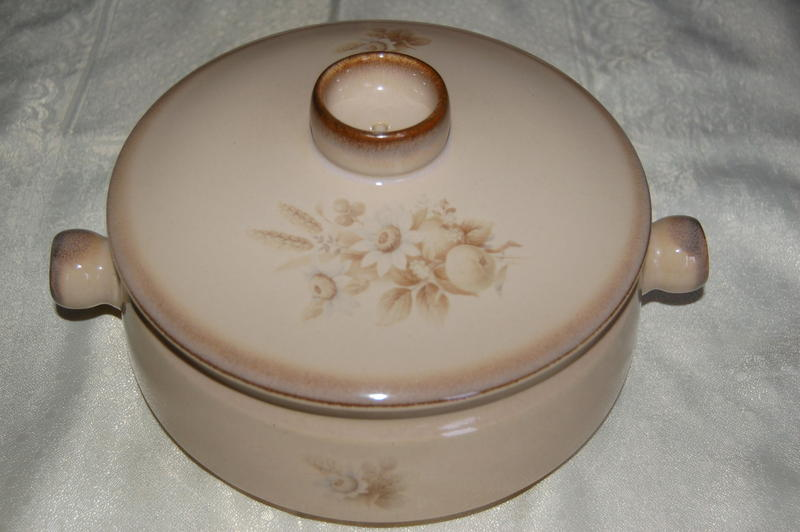 Denby Memories (Images) Stoneware in Excellent Condition, 4