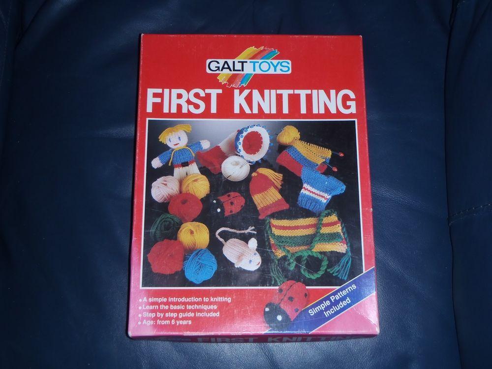 """Galt Toys """"FIRST KNITTING"""" Childrens Kit."""