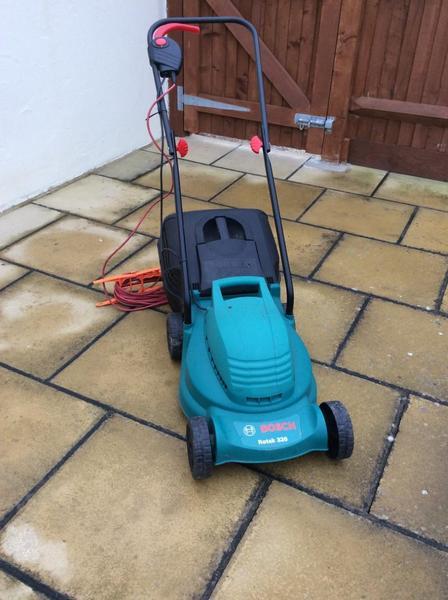 Bosch Rotak 320 Lawn Moover
