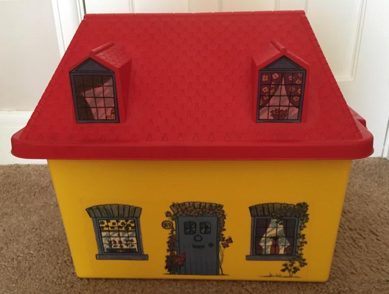 Children's House Toy / Storage Box