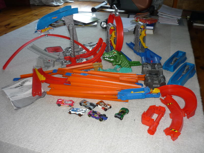 Hot Wheels Track packs, cars and extras